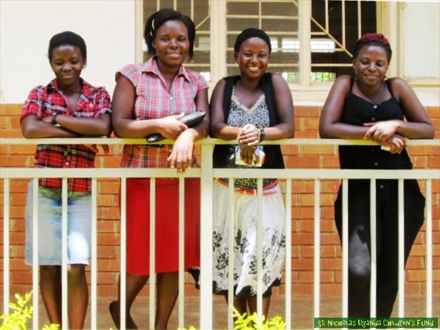 Business students: Caroline, Peace, Saidat, Mable